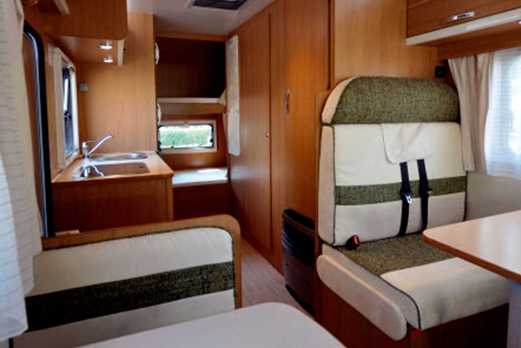 autocaravana rimor seal 9 lidercaravan. Black Bedroom Furniture Sets. Home Design Ideas