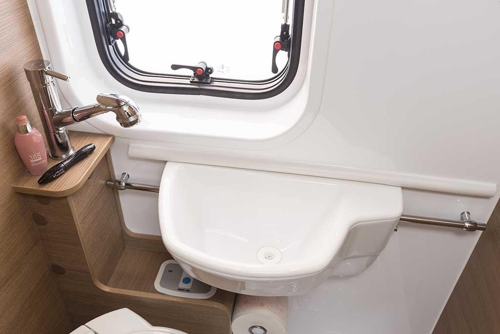 KYROS-5-EXP-banio-lavabo-posicion2