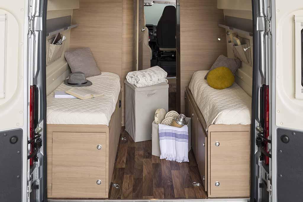 KYROS-5-EXP-maletero-cama-cerrada
