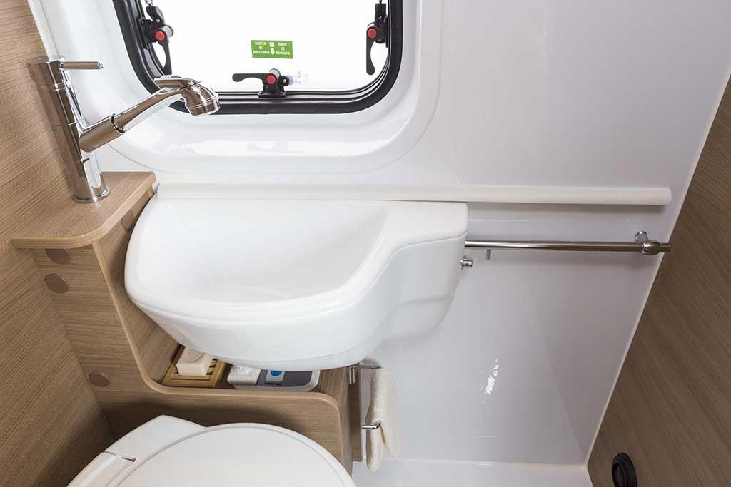 Kyros-2-EXP-banio-lavabo-posicion1