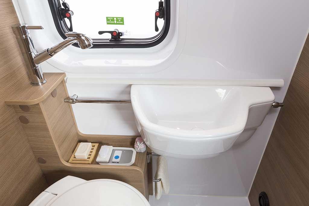Kyros-2-EXP-banio-lavabo-posicion3