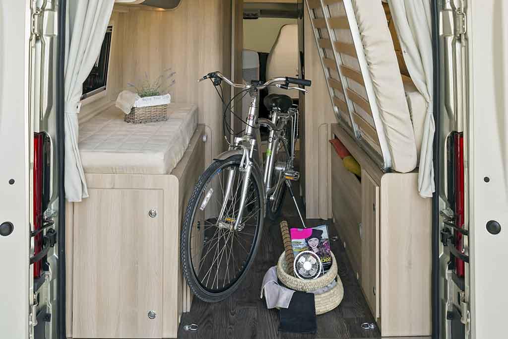 Kyros-2-Prestige-maletero-cama-cerrada