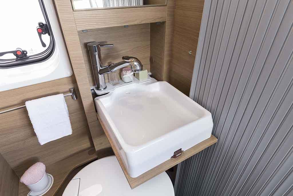 Kyros-6-EXP-banio-lavabo