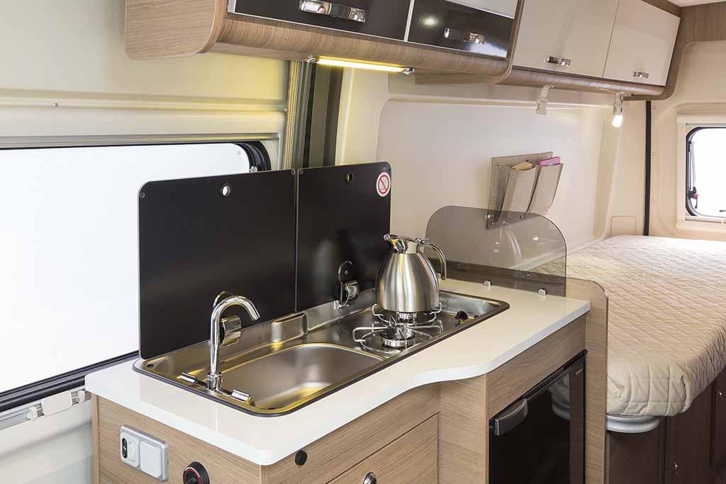 Kyros-6-EXP-cocina-cama