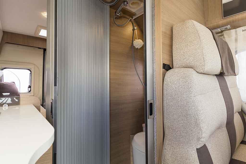 Kyros-6-EXP-puerta-corredera-abierta-ducha
